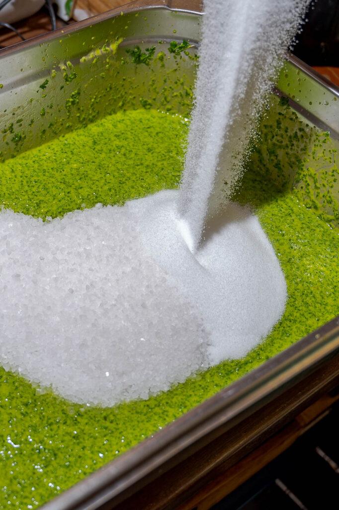 zwei Salzsorten in der Salzpaste